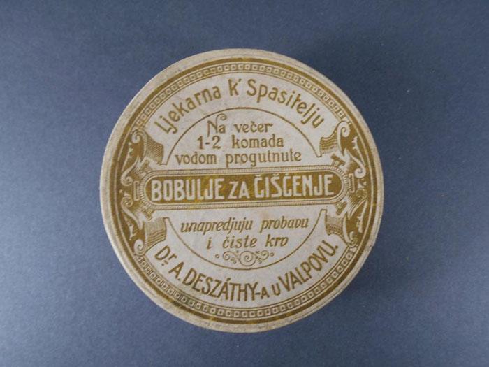 Ambalaža proizvoda ljekarne K Spasitelju A. Deszathyja u Valpovu Bobulje za čišćenje, HMMF-1776